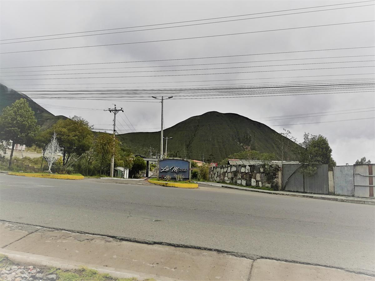 Foto Terreno en Venta en  Mitad del Mundo,  Quito  Manuel Córdova Galarza