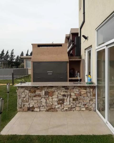 Foto Casa en Venta en  El Rebenque,  Canning (E. Echeverria)  EL REBENQUE