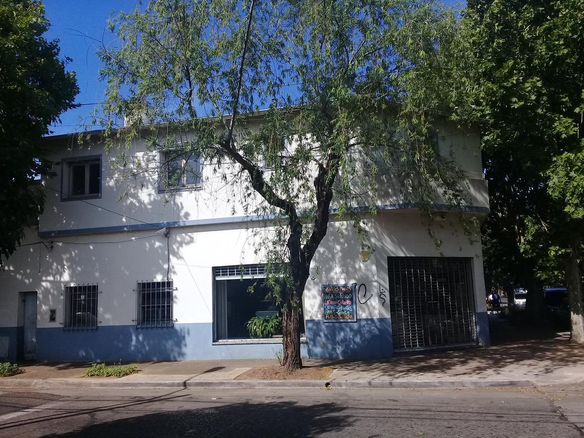 Foto Local en Venta en  Mart.-Santa Fe/Fleming,  Martinez  Corrientes al 700