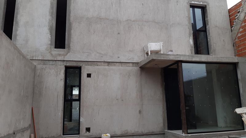 Foto Casa en Venta en  Capital ,  Neuquen  Barrio Ayres del Limay