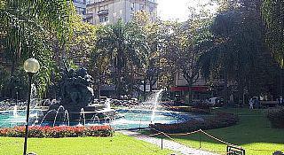 Foto Edificio Comercial en Alquiler | Venta en  Montevideo ,  Montevideo  Pleno Centro de Montevideo sobre Calle Principal