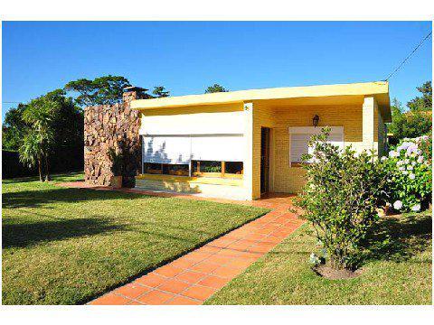Foto Casa en Venta en  Cantegril,  Punta del Este  Casa en Venta en zona Cantegrill