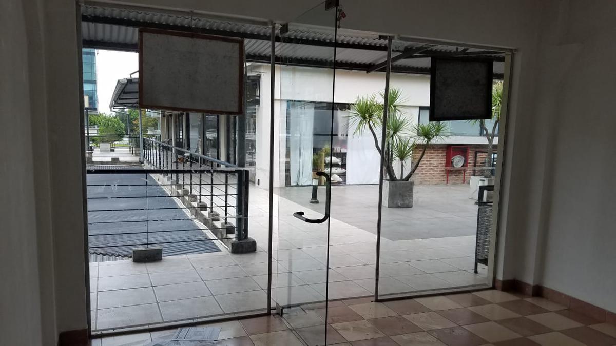 Foto Oficina en Venta en  Pilar ,  G.B.A. Zona Norte  La Escala