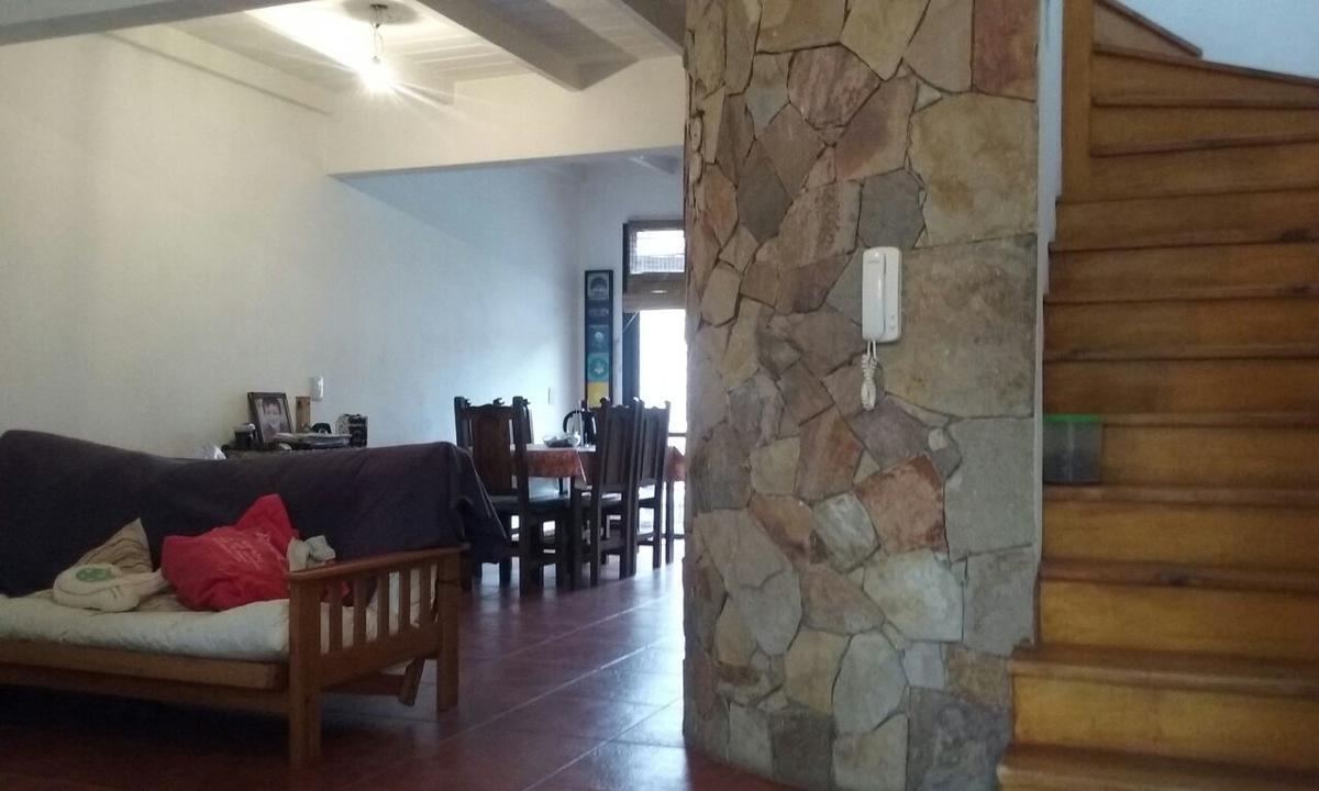 Foto PH en Venta en  Ituzaingó ,  G.B.A. Zona Oeste  Emperanza al 2700