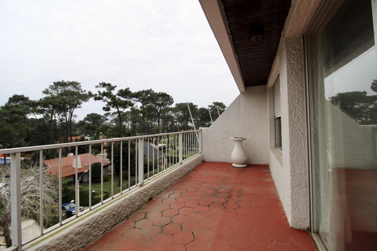 Foto Apartamento en Venta   Alquiler en  Roosevelt,  Punta del Este  Av. Roosevelt