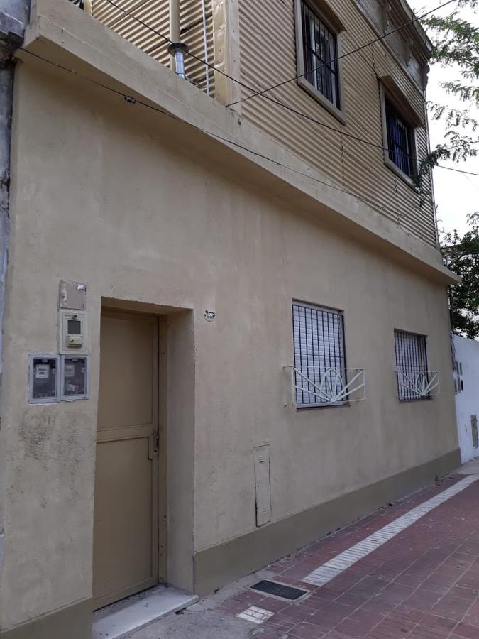 Foto PH en Alquiler en  Crucesita,  Avellaneda  Lamadrid al 500