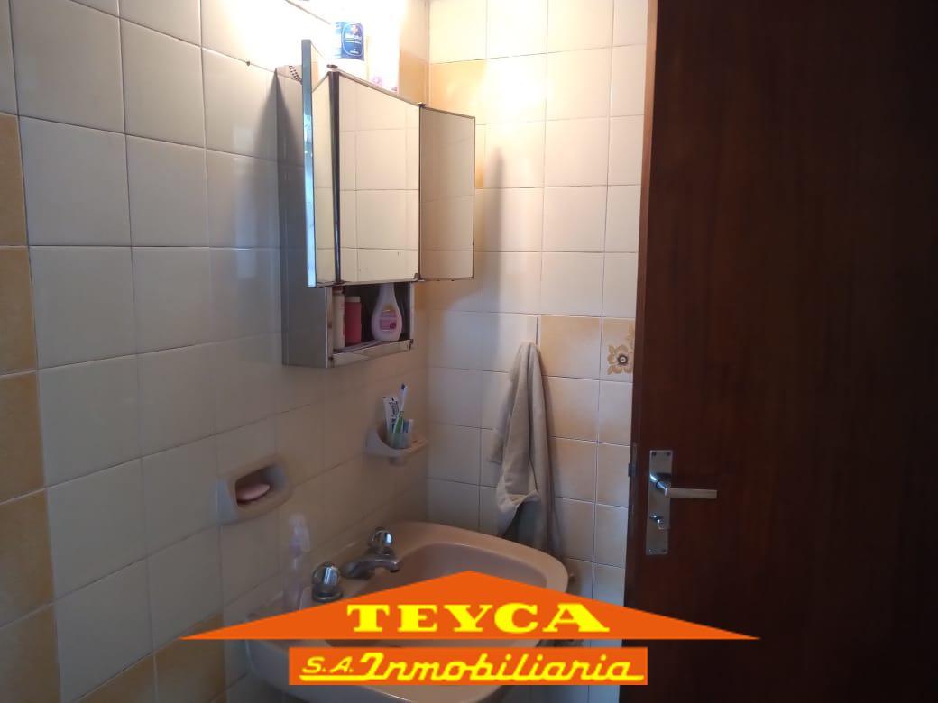 Foto Departamento en Venta en  Duplex,  Pinamar  del Dorado 888 e/ De las Artes y Centuaro