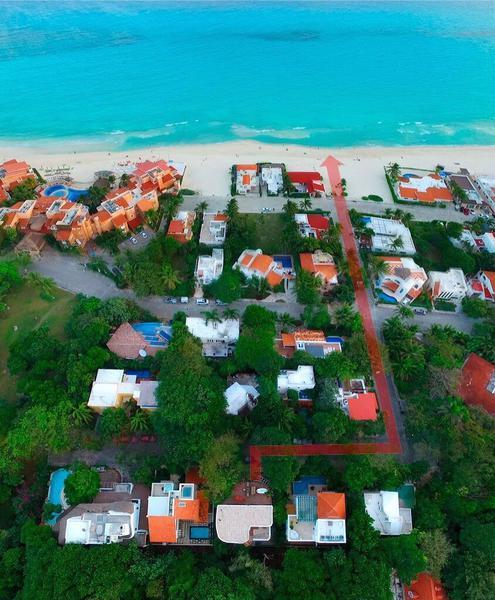 Foto Casa en Venta en  Solidaridad ,  Quintana Roo  Casa grande en la playa