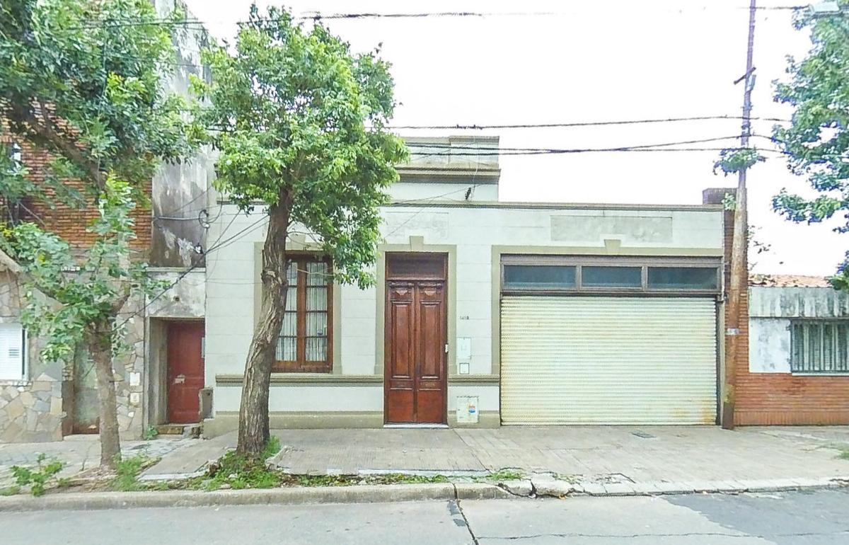 Foto Casa en Venta en  Arroyito,  Rosario  Olive al 1400