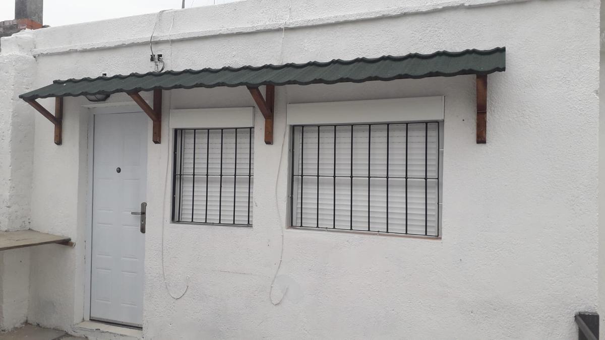 Foto Apartamento en Alquiler en  Piedras Blancas ,  Montevideo  Dunant 3919/04