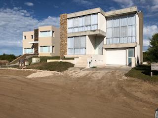 Foto Casa en Alquiler temporario en  Costa Esmeralda,  Punta Medanos  Senderos III 388