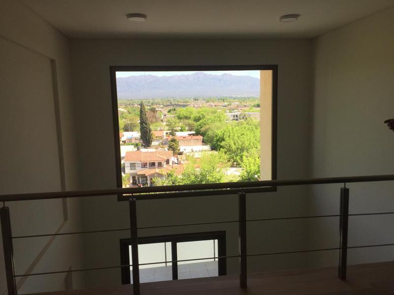 Foto Departamento en Venta en  Lujan De Cuyo ,  Mendoza  SARMIENTO 43