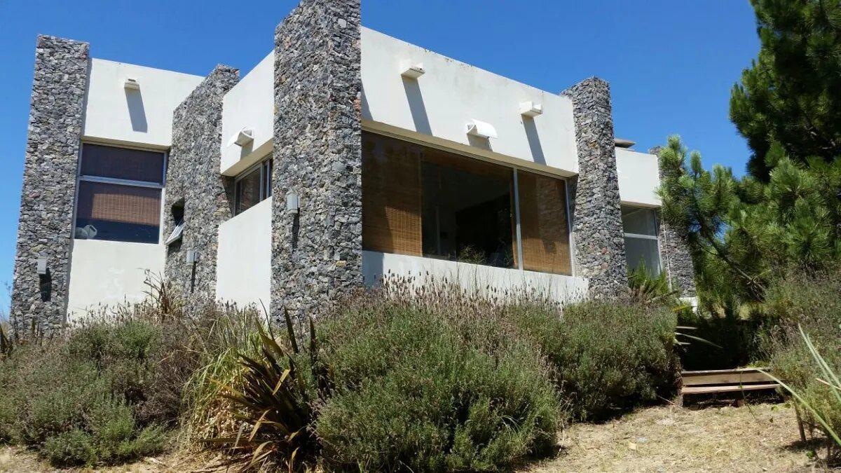Foto Casa en Venta en  Pinamar ,  Costa Atlantica  Casa en Costa Esmeralda(Pinamar)