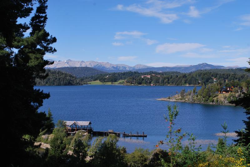 Foto Casa en Venta en  Lago Moreno ,  San Carlos De Bariloche  Ruta 77 km 27