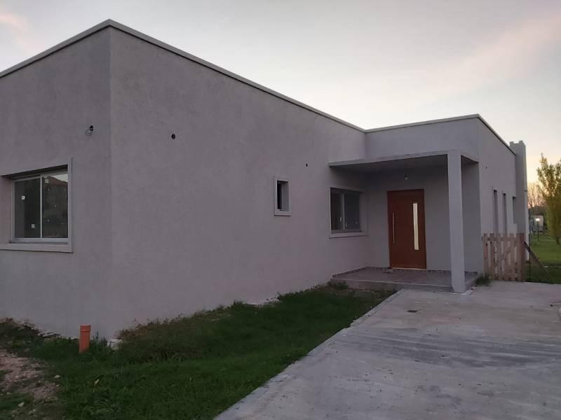 Foto Casa en Venta en  Pilar Del Este,  Countries/B.Cerrado (Pilar)  Santa Guadalupe al 100