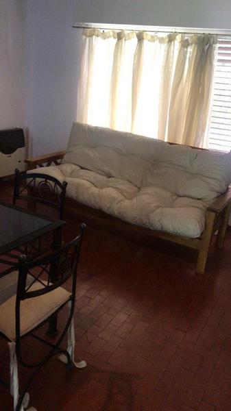 Foto Casa en Alquiler   Alquiler temporario en  Barrio Parque Leloir,  Ituzaingo  de la Doma al 1200