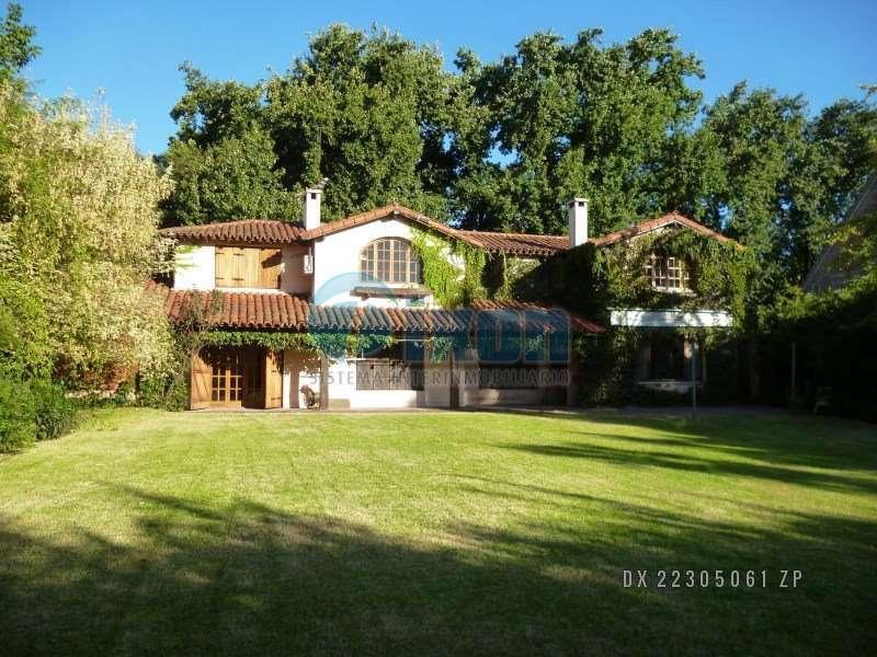Foto Casa en Venta |  en  Las Lomas-Horqueta,  Las Lomas de San Isidro  Los Olivos 200 casa 1