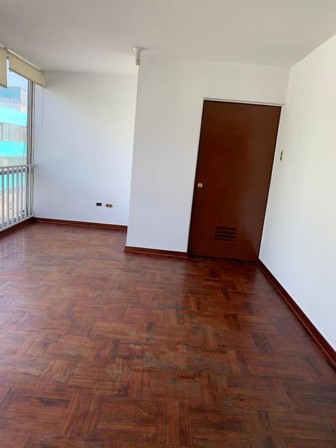 Foto Departamento en Venta en  Lima ,  Lima  Jiron HUANCAVELICA 411