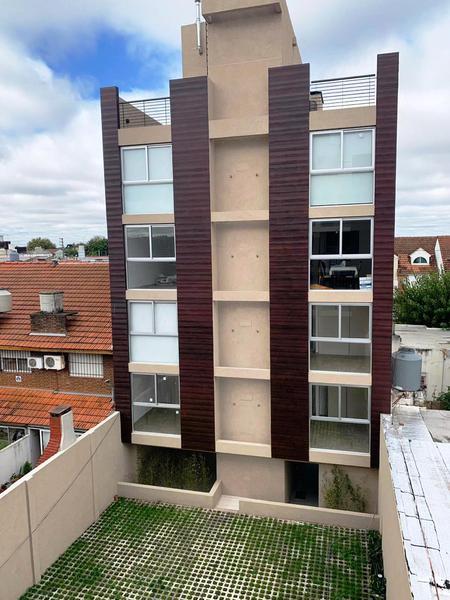 Foto Departamento en Venta en  Moron,  Moron  Manuel de Sarratea  70, S302