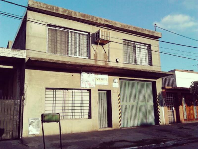 Foto Galpón en Venta en  Quilmes,  Quilmes  La Rioja al 1646 entre Urrestarazu y Argentino Roca