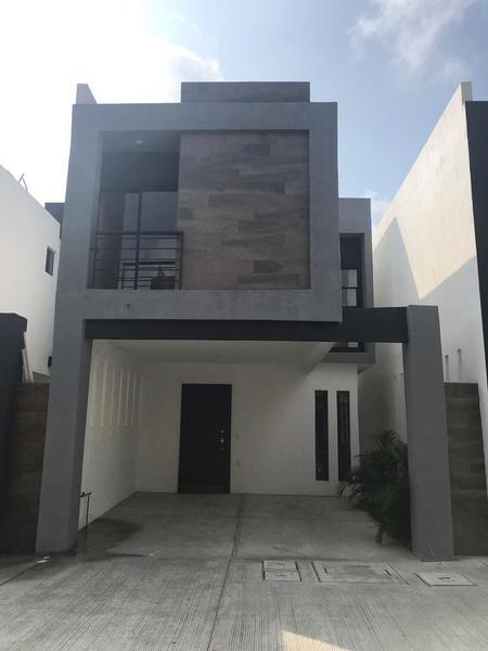 Foto Casa en Venta |  en  Del Bosque,  Tampico  Venta De Casas Residencial Framboyanes Col. del Bosque
