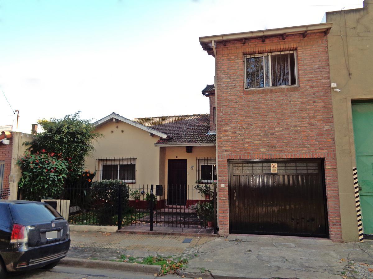 Foto Casa en Venta en  Carapachay,  Vicente López  Castelli al 5400