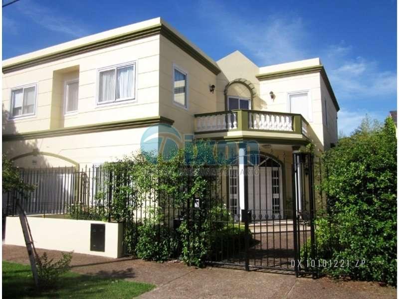 Foto Casa en Alquiler en  Martinez,  San Isidro  BALCARCE al 2400