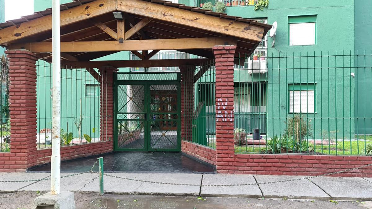Foto Departamento en Venta en  Lanús Este,  Lanús  Camino General Belgrano al 3100