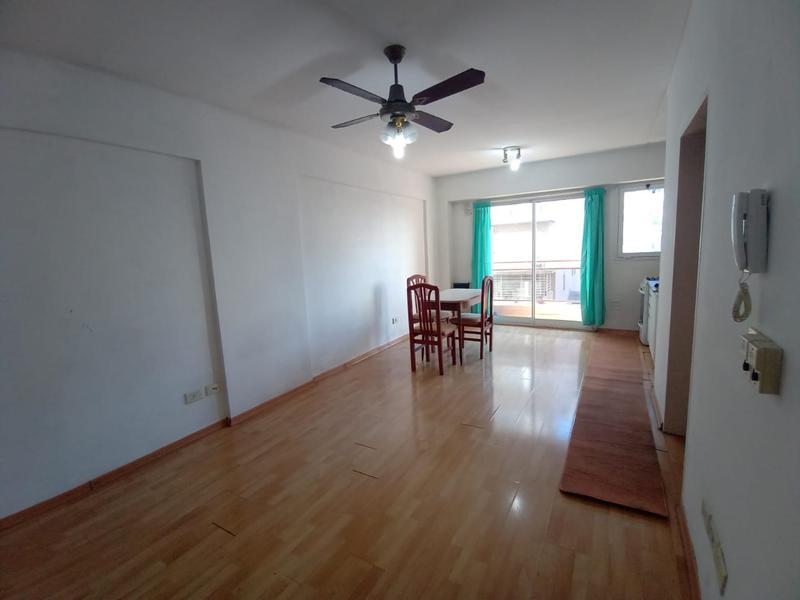 Foto Departamento en Venta | Alquiler temporario en  Balvanera ,  Capital Federal  Paso al 700