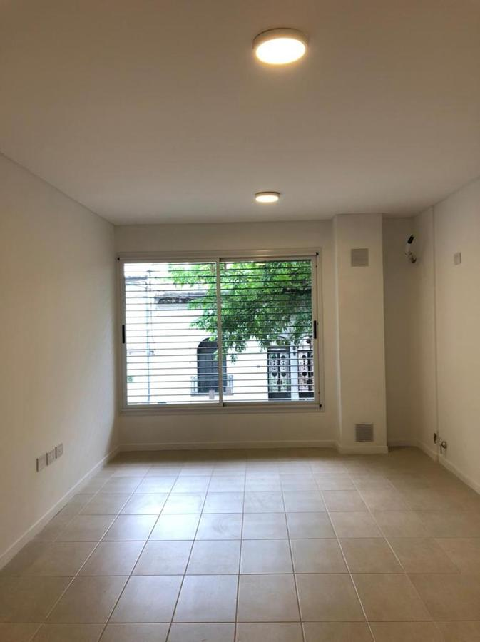 Foto Departamento en Alquiler en  Centro,  Rosario  ZEBALLOS 2420 - departamento de 1 dormitorio al frente.