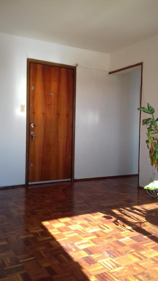 Foto Departamento en Alquiler en  La Blanqueada ,  Montevideo  Próximo al parque central