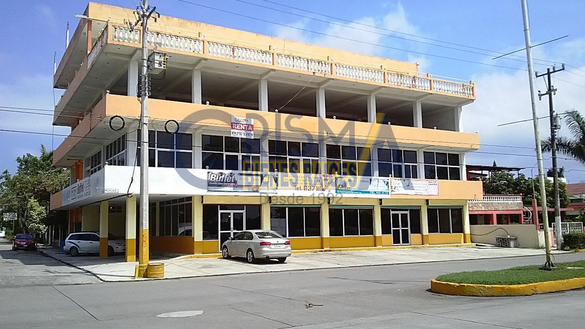 Foto Local en Renta en  Tropicana,  Tuxpan  EDIFICIO COMERCIAL SOBRE BOULEVARD A LA PLAYA 2º y 3er PISO