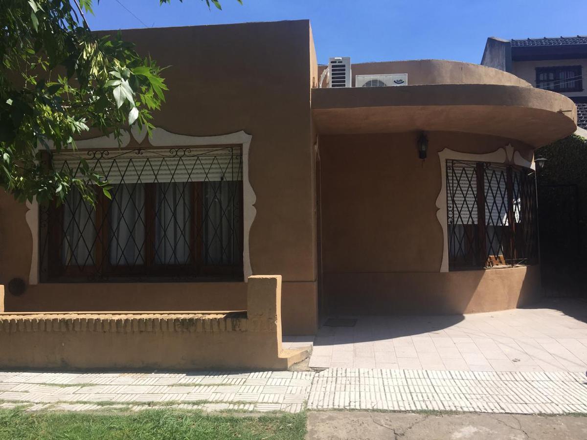 Foto Casa en Venta en  Adrogue,  Almirante Brown  Jorge 715 Adrogue