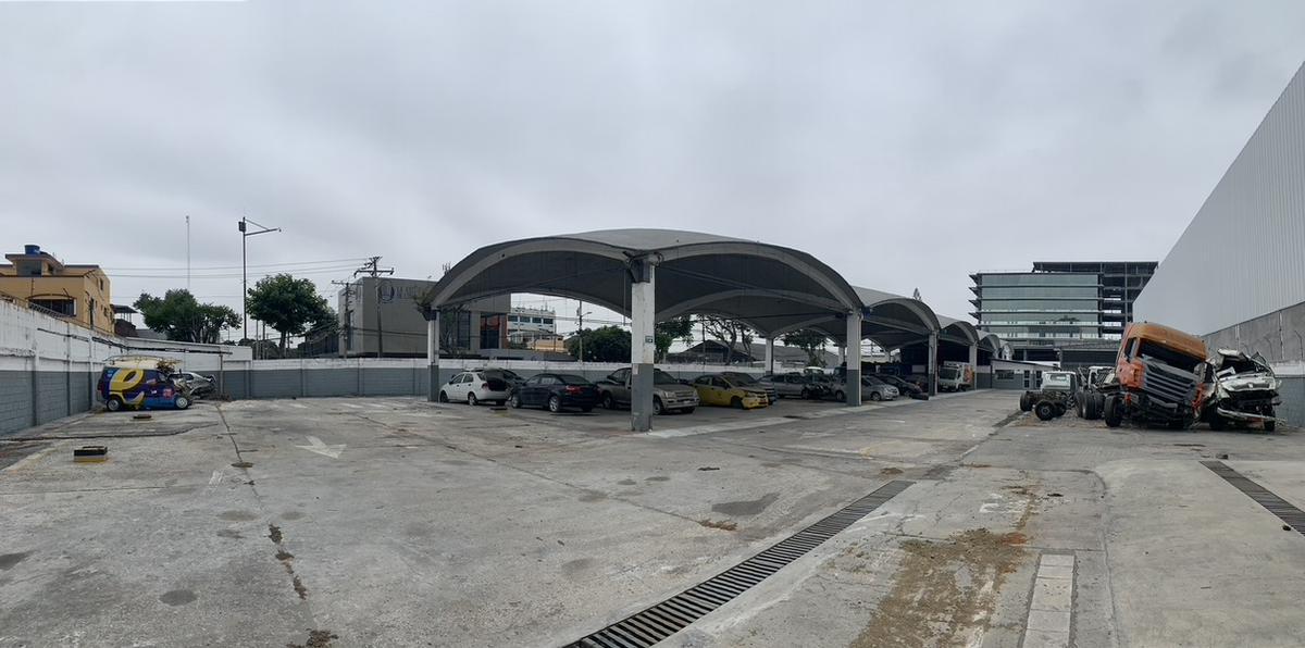 Foto Terreno en Venta en  Guayaquil ,  Guayas  VENTA TERRENO MULTIFAMILIAR  ESQUINERO  KENNEDY NORTE