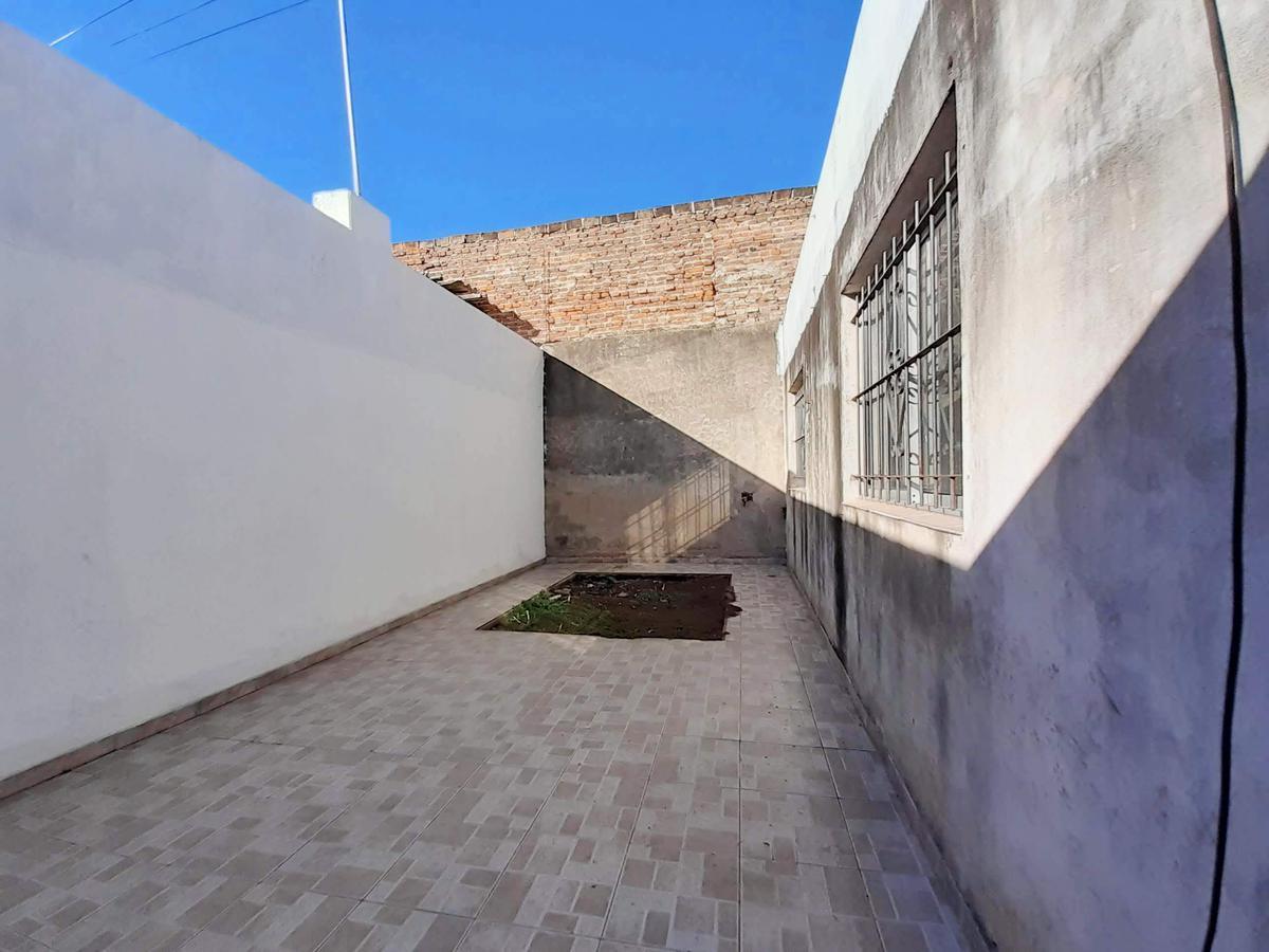 Foto Casa en Venta en  Las Delicias,  Rosario  Av. del Rosario al 2200