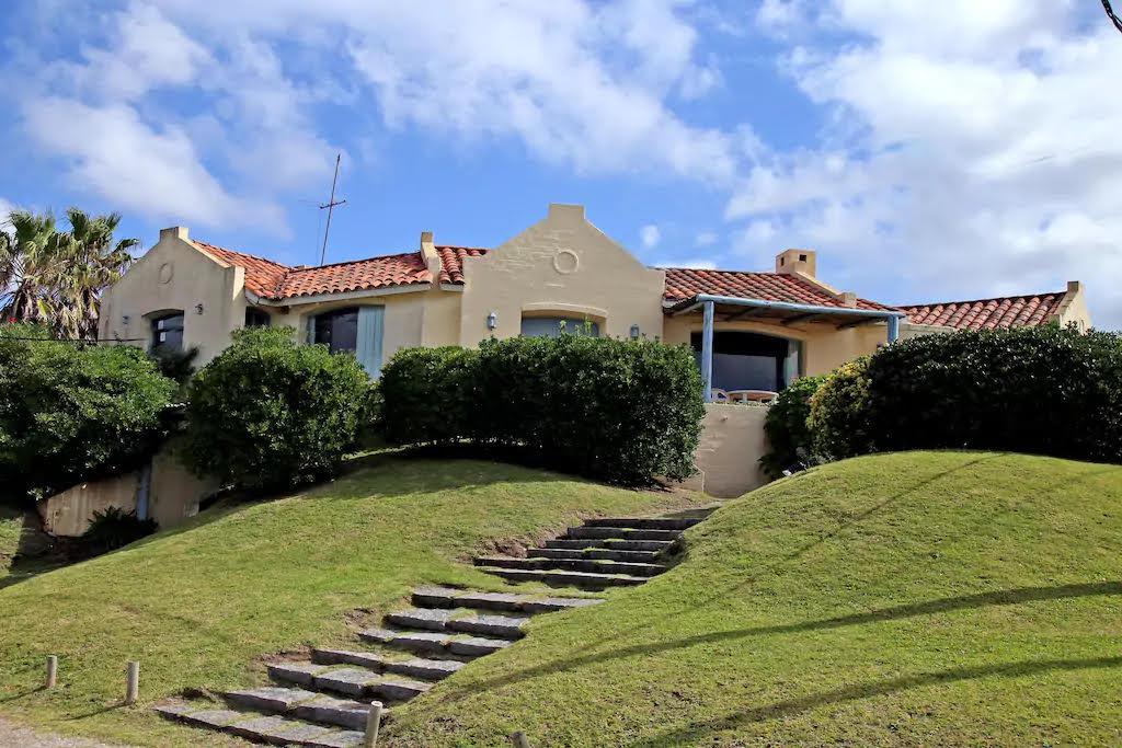 Foto Casa en Alquiler temporario en  Punta del Este ,  Maldonado  Capri, La Barra, Punta del Este