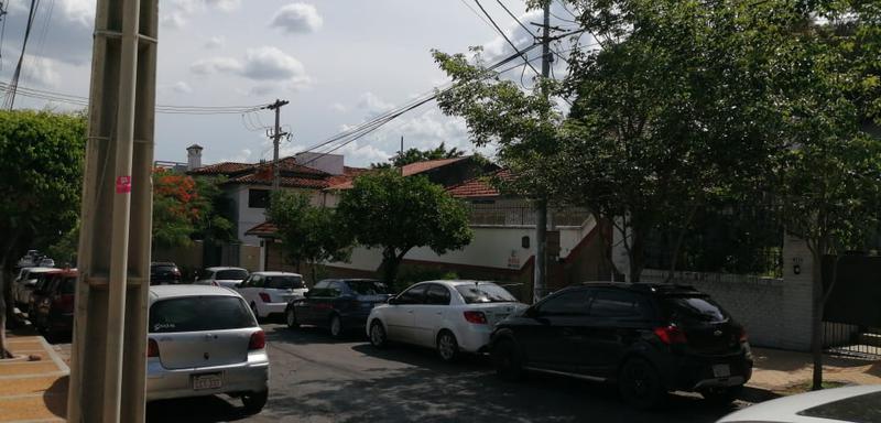 Foto Oficina en Alquiler en  Mcal. Lopez,  San Roque  Zona Supermercado Mundimark