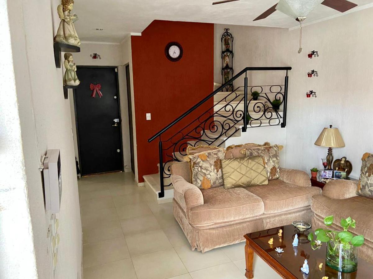 Foto Casa en Venta en  Fraccionamiento Tixcacal Opichen,  Mérida  Casa de dos plantas en Tixcacal, Residencial Faisanes