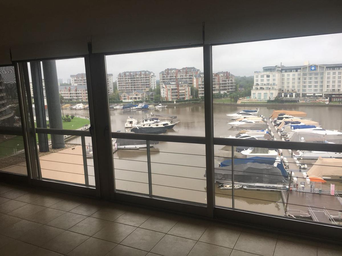 Foto Oficina en Alquiler en  Nordelta,  Countries/B.Cerrado  FAS Av. del Mirador 290. Paseo de la Bahía, Studios II. Bahía Grande. Nordelta. Departamento 2 ambientes con balcón con parrilla.