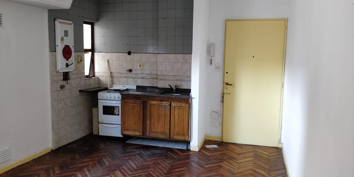 Foto Departamento en Alquiler en  Balvanera ,  Capital Federal  Av Jujuy al 500