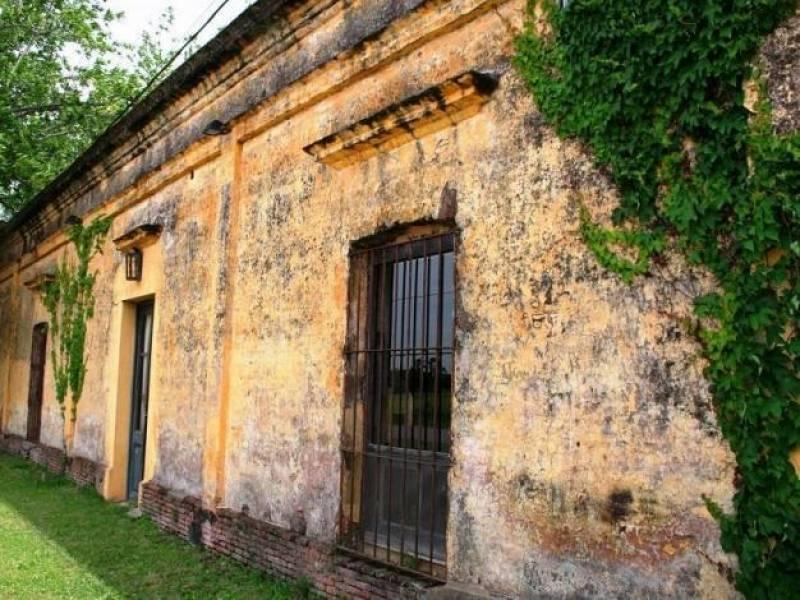 Foto Quinta en Venta en  Carlos Keen,  Lujan  Casona de Carlos Keen, Camino A Ruiz al 100