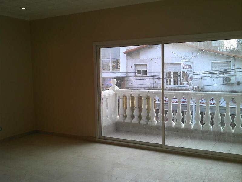 Foto Departamento en Alquiler en  Centro (Moreno),  Moreno  Dep. 7 Loft  - Edificio - Belgrano 100 - Moreno Norte