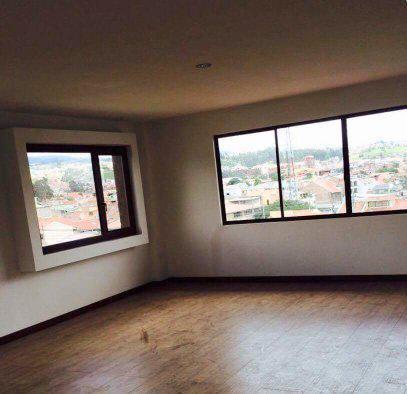 Foto Casa en Venta en  Este,  Cuenca  Calle Manabí y Av. Unidad Nacional