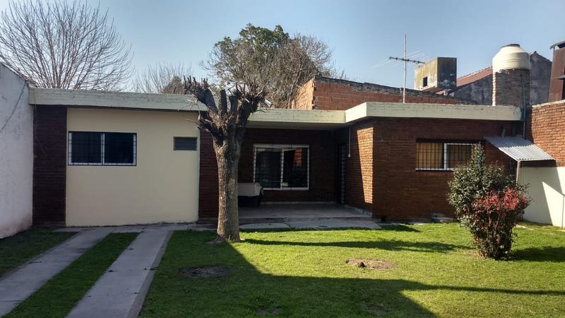 Foto PH en Venta en  San Miguel ,  G.B.A. Zona Norte  Av peron al 2800