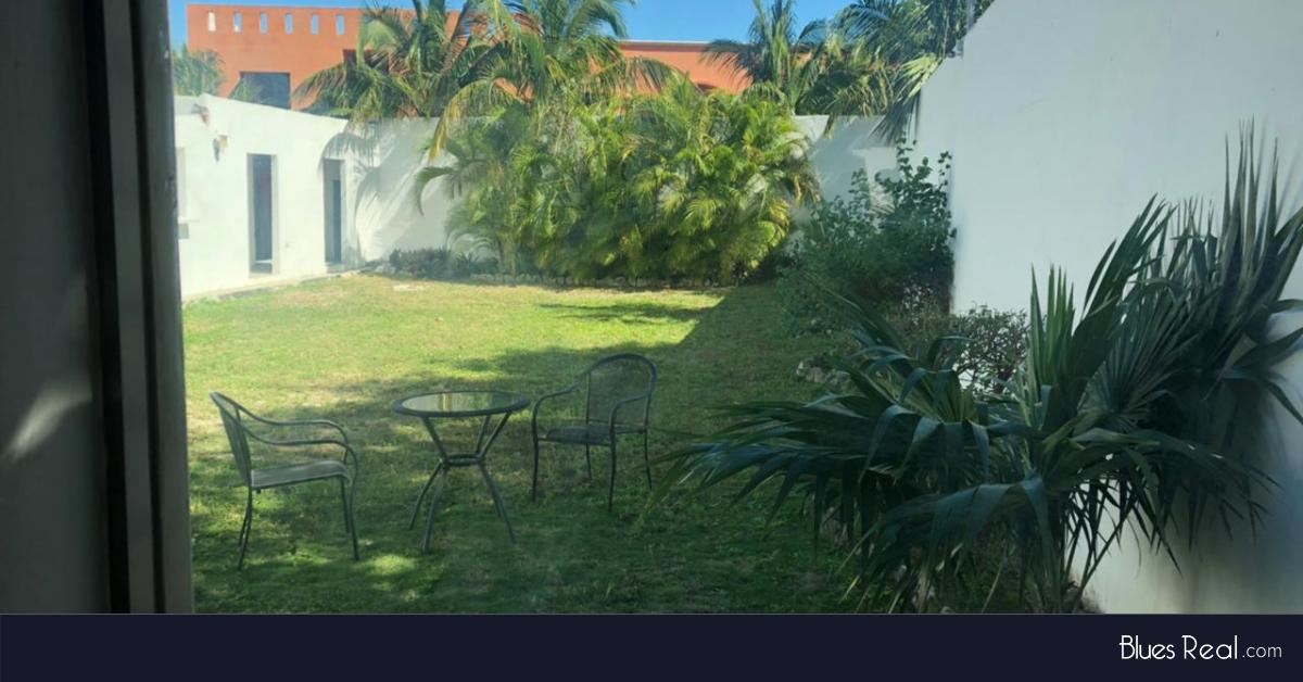 Picture House in Rent in  Solidaridad ,  Quintana Roo  Furnished house for rent in Playa del Carmen. Located in the first private, 1 block from the Federal, Ejido - Code 1003