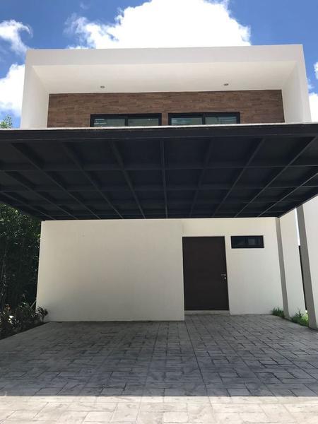 Foto Casa en Venta en  Supermanzana 320,  Cancún  CASA EN RENTA/VENTA EN CANCUN EN RESIDENCIAL AQUA