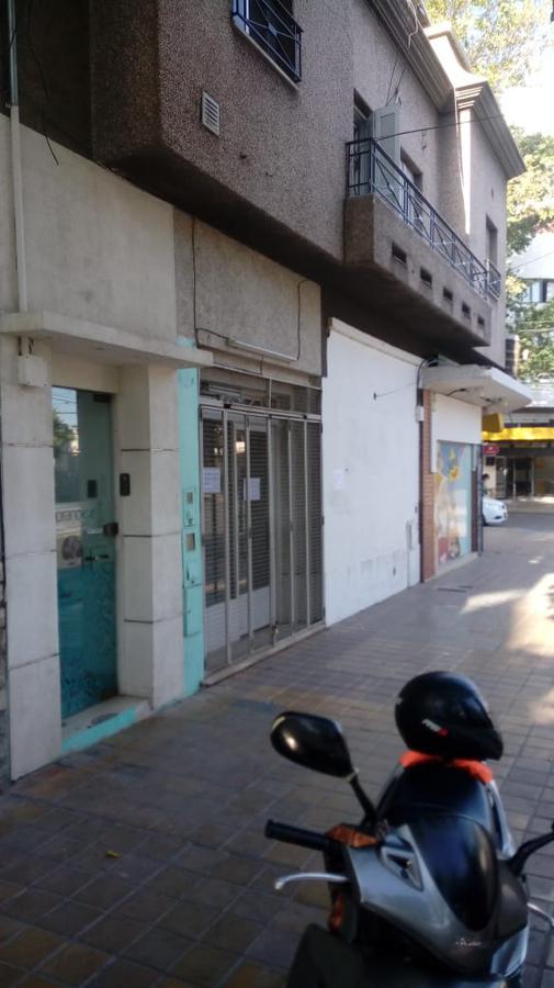 Foto Local en Alquiler en  Capital ,  San Juan  Av. Libertador casi Mendoza. Vereda Norte