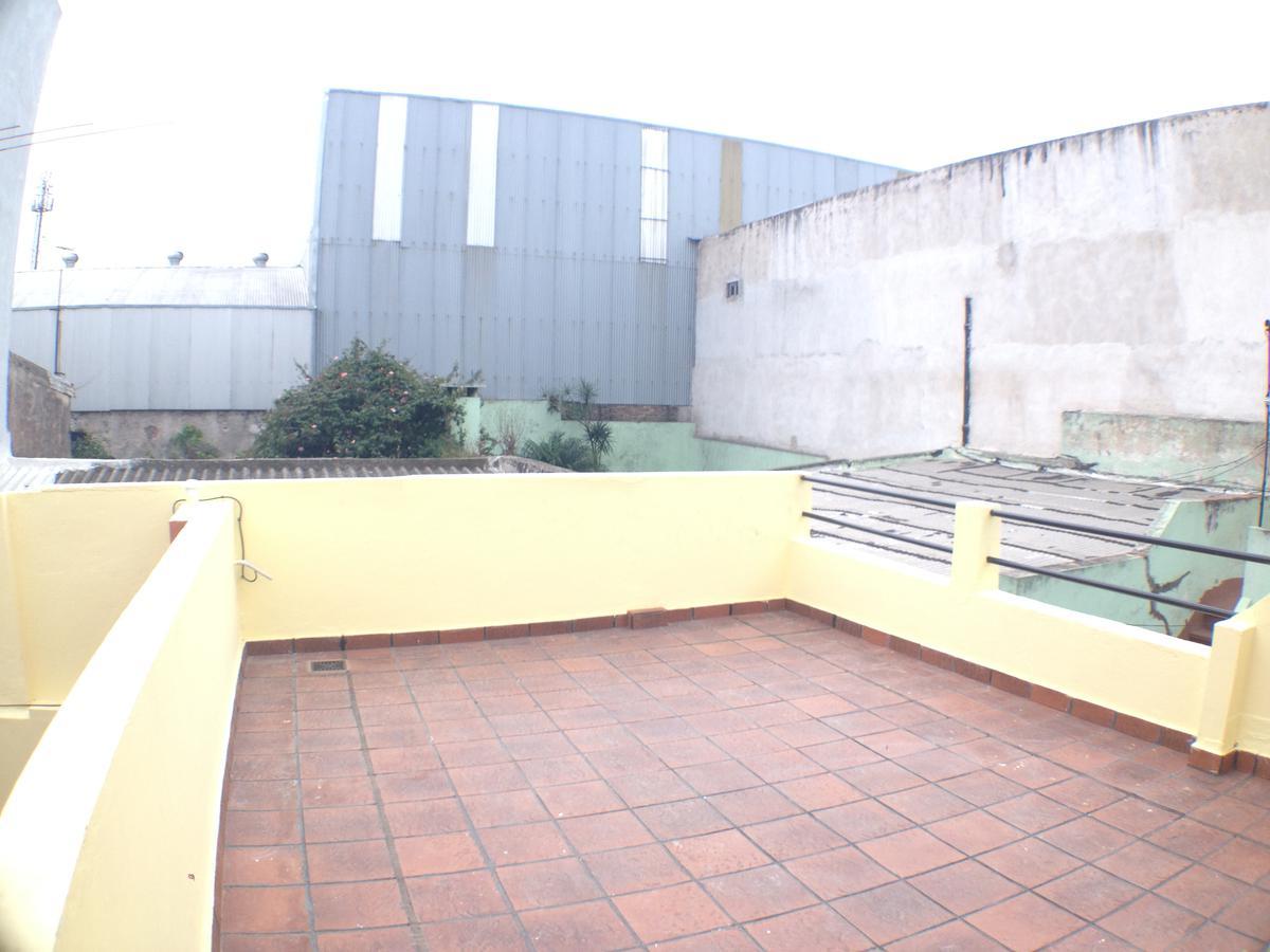 Foto PH en Alquiler en  Barracas ,  Capital Federal  Luzuriaga al 400