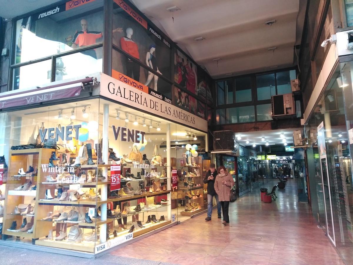 Foto Local en Venta en  Centro ,  Montevideo  Centro