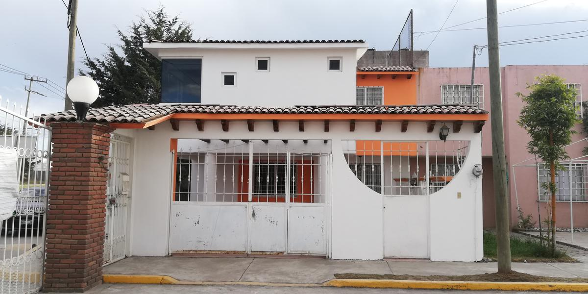 Foto Casa en Renta en  Bosques Residencial,  Zinacantepec  Casa en Renta 3 Rec  Cerca de Ciudad Deportiva, Toluca